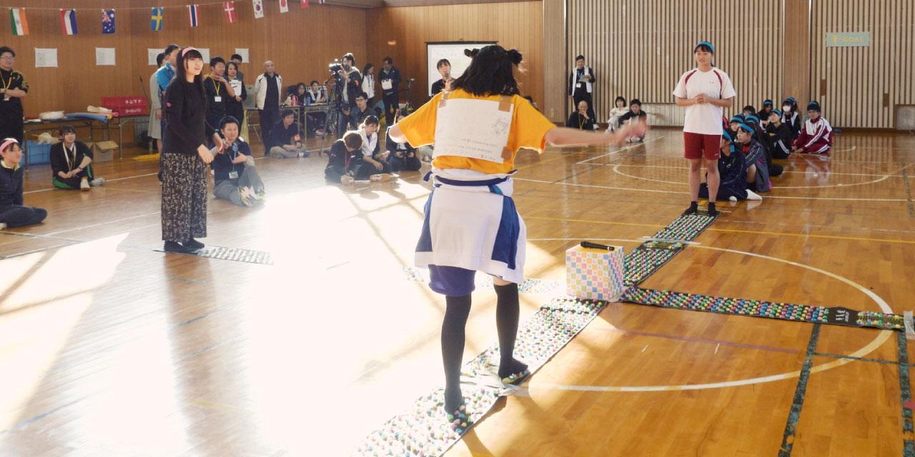 女性スポーツ促進キャンペーン オリジナルダンス「Like a Parade」(ライク・ア・パレード)を踊る女子高生たち