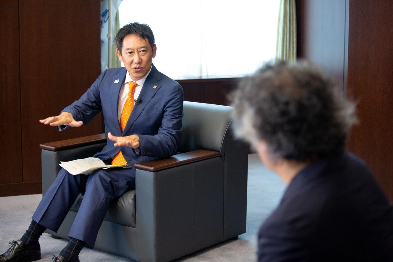 鈴木長官と茂木先生による対談の様子3