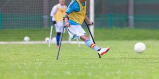 サッカー界全体と地域が協力して7つの障害者サッカーをアシスト!